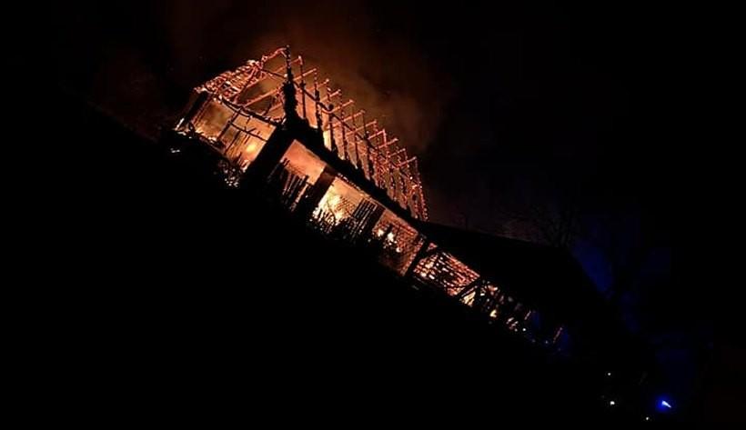 Pożar w Choczni strawił zapasy słomy dla zwierząt. Jest apel o pomoc