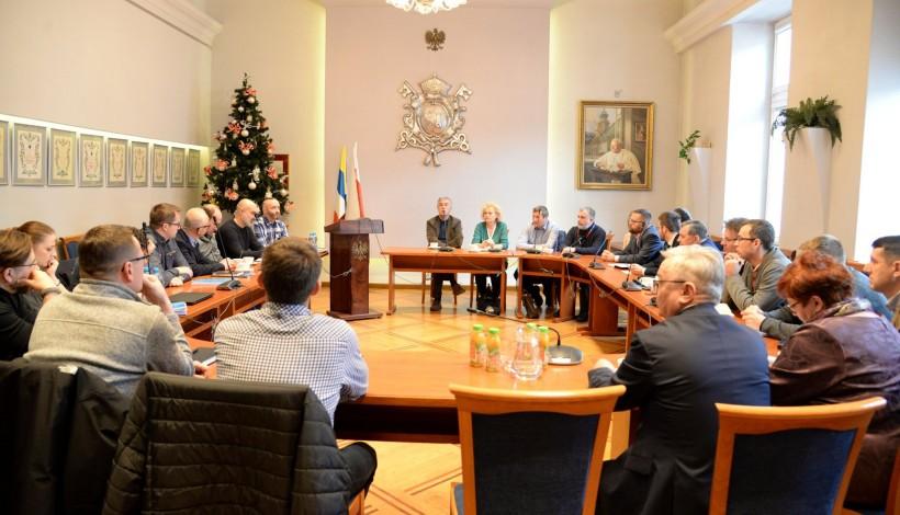Spotkanie w urzędzie wykonawców inwestycji w Wadowicach