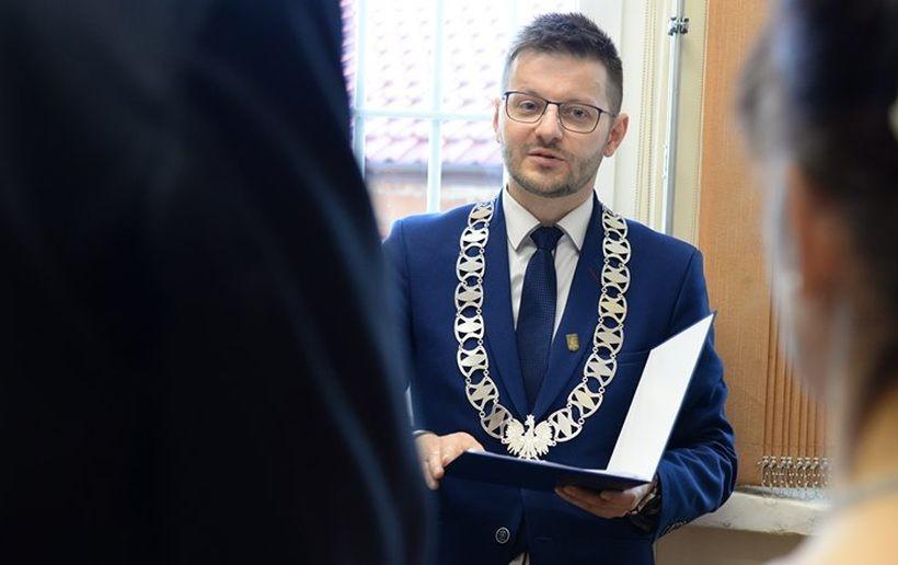 Burmistrz Bartosz Kaliński