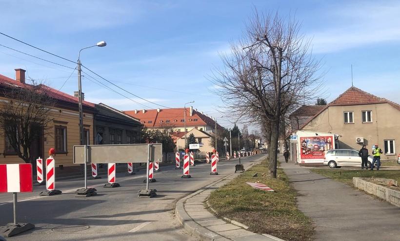 Na Lwowskiej w Wadowicach już nowe zasady ruchu. To teraz jeden wielki plac budowy