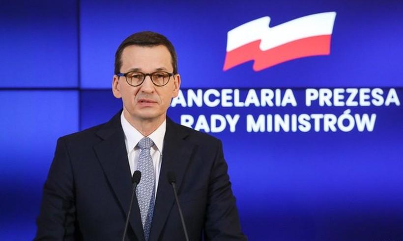 """Nowe zakazy w walce z epidemią w Polsce. Premier: """"Podstawowa zasada to zasada dystansu"""""""
