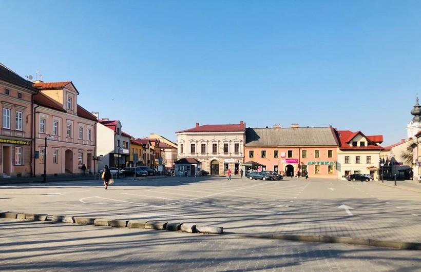 Miejski parking na placu Kościuszki w Wadowicach zmieni się w tymczasowe targowisko