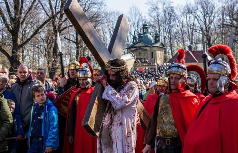 Brak wiernych na mszach, wstęp na Dróżki zabroniony. Tak będzie wyglądał Wielki Tydzień w Kalwarii