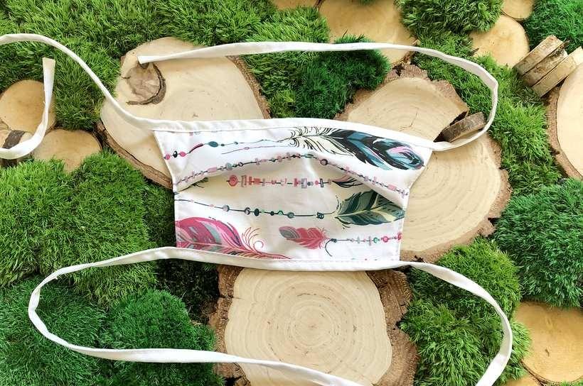 Producent toreb ekologicznych z Wadowic reaguje na potrzeby rynku i... szyje maseczki
