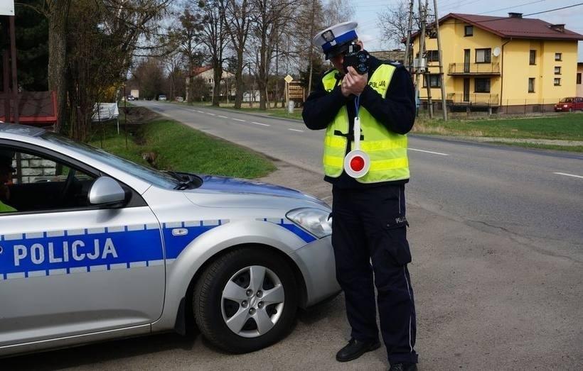 Na drogach powiatu wpadło dziewięciu kierowców z ciężką nogą do gazu