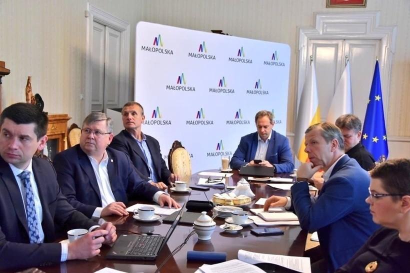 Będą dodatkowe pieniądze w Małopolsce dla szpitali na zabezpieczenie przed koronawirusem