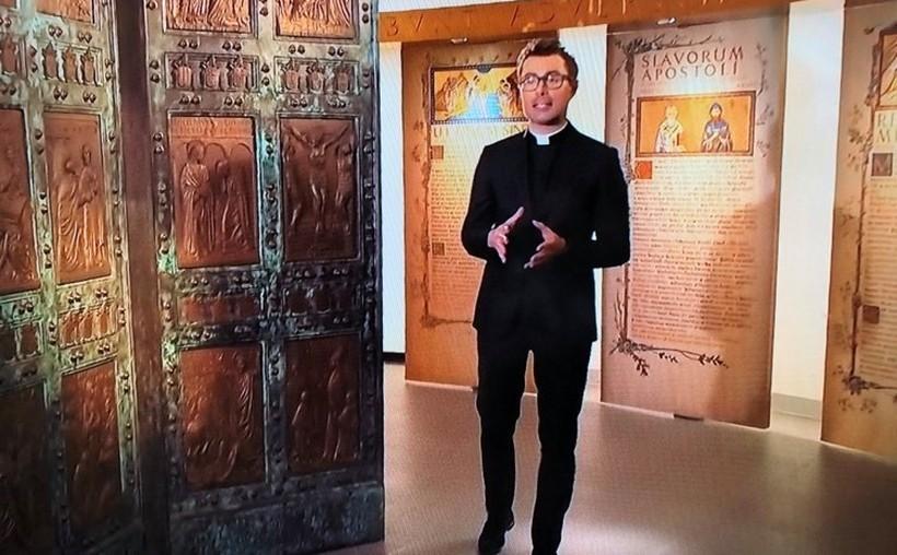 """Kto przegapił, może oglądać. Widowisko muzeum papieskiego na """"stulecie"""" już dostepne"""
