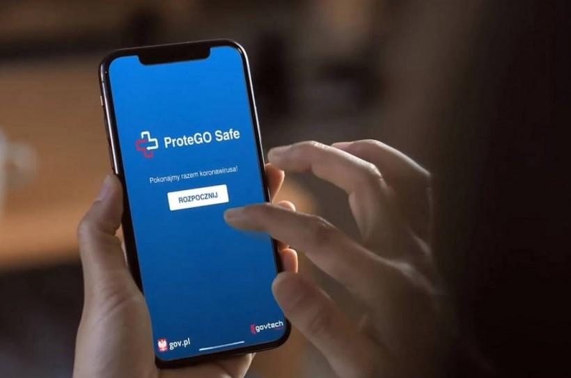 Nowa aplikacja w telefonie ostrzega przed wirusem. Ministerstwo Zdrowia poleca