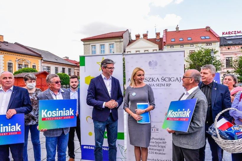 Posłowie Agnieszka Ścigaj i Adam Jarubas namawiali wadowiczan, by głosowali Kosiniaka