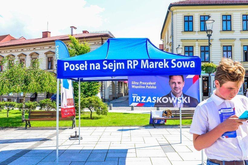 Namiot wyborczy na wadowickim rynku