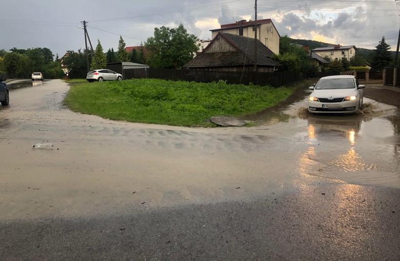 Centrum Jaroszowic zalane