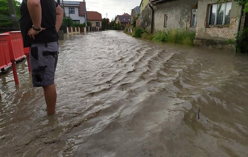 Obezwanie chmury spowodowało powódź błyskawiczną