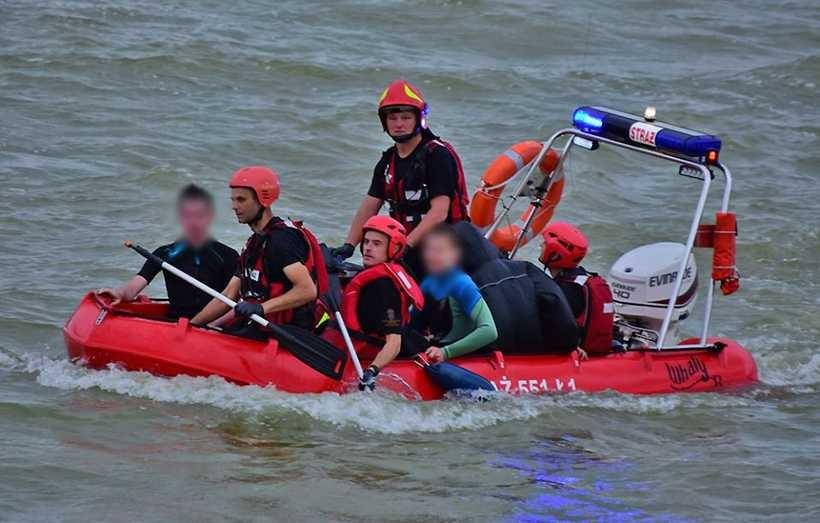 Poszkodowanymi zajęli się strażacy