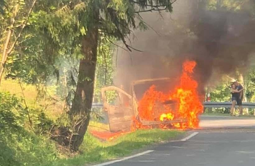 Pożar samochodu w Targanicach