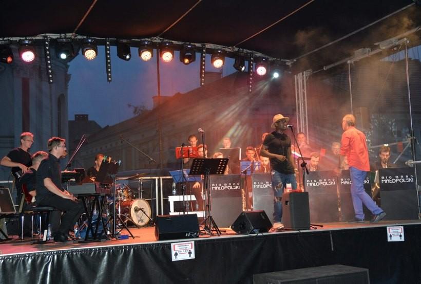 W ostatnią sobotę koncert jazzowy na rynku przerwała burza.