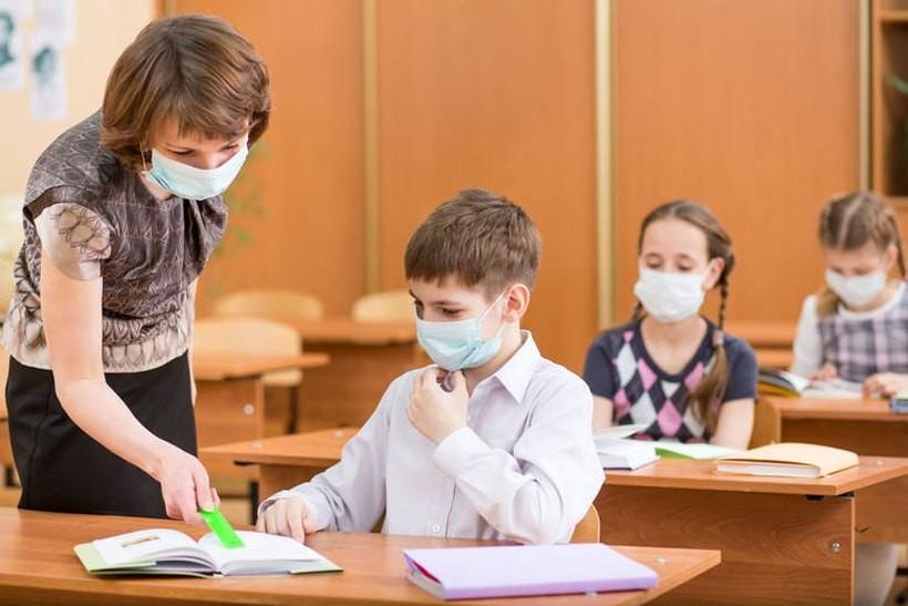 Niektóre szkoły przesadzają. Bezpodstawne oświadczenia o świadomości ryzyka zakażenia