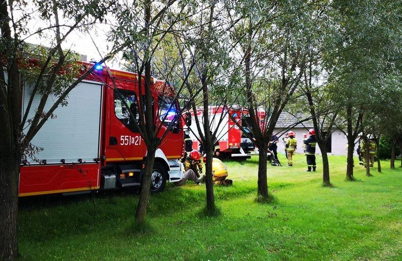 Eksplozja w Choczni, dwie osoby ranne. Strażacy znaleźli nieszczelną butlę z gazem