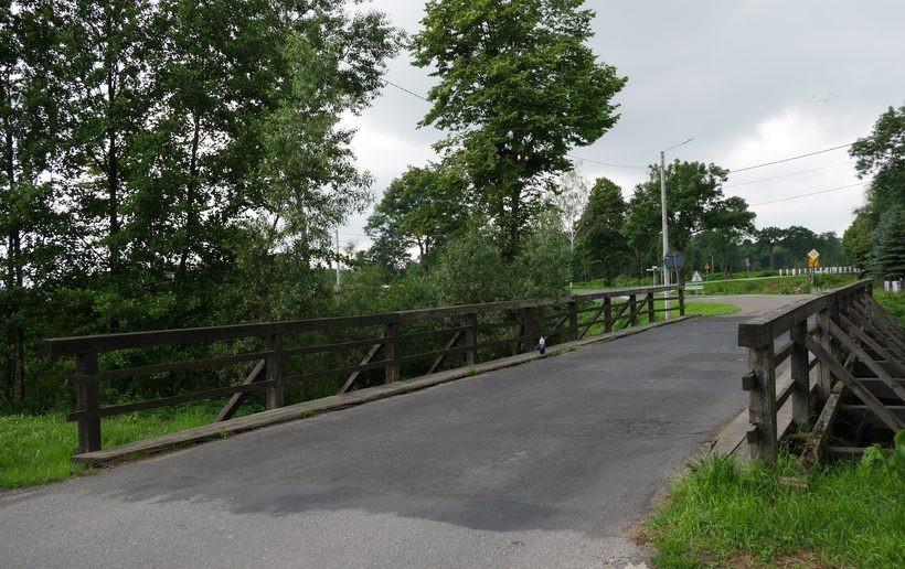 Stary most w Przybradzu przechodzi do historii. Nowy ma być porządny i bezpieczny