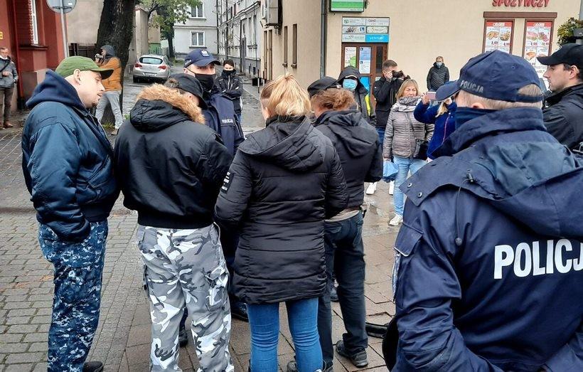 Akcja na placu Mickiewicza w Andrychowie