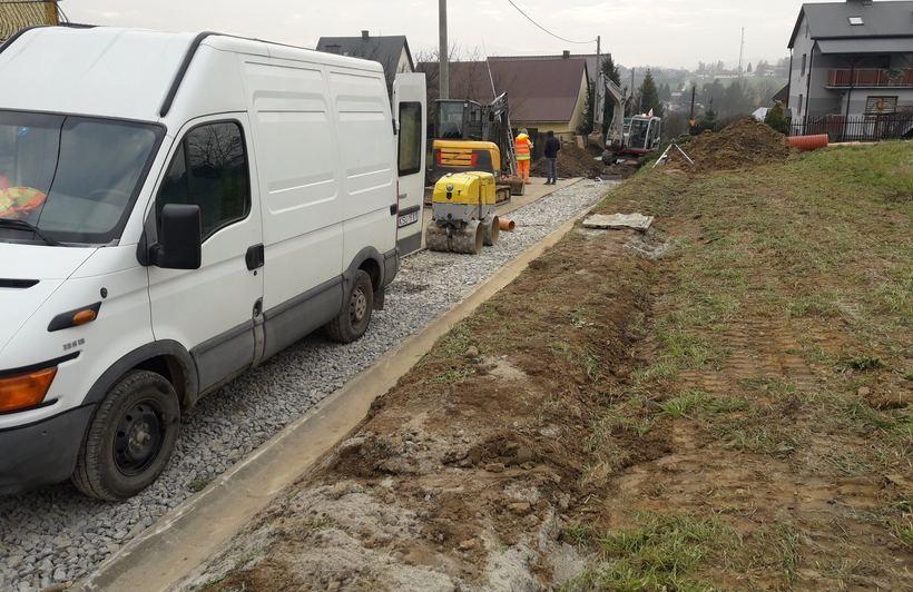 Budowa nowej kanalizacji w Kleczy Dolnej