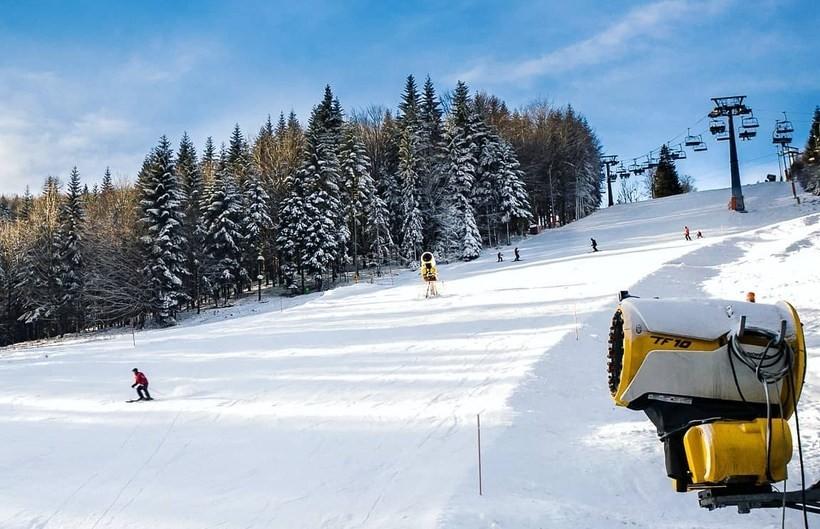 Czarny Groń rusza z nowym sezonem, w Rzykach pierwsza trasa dla narciarzy