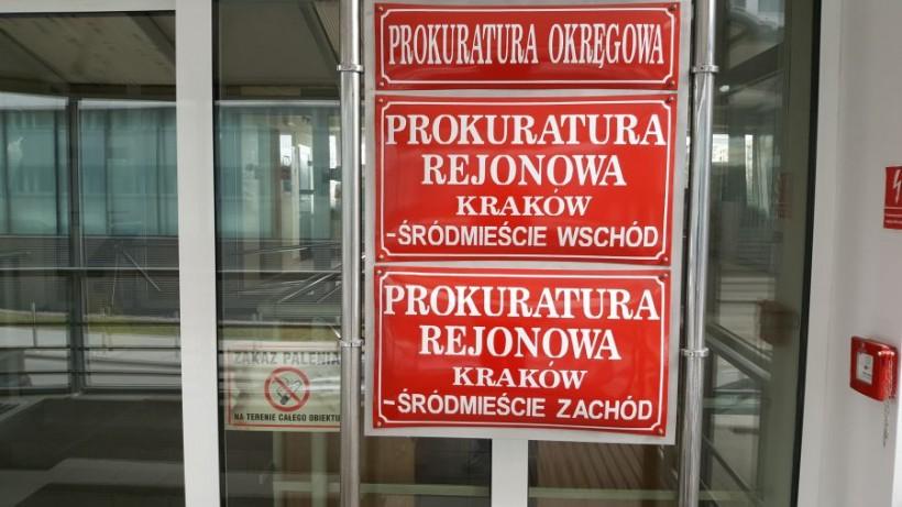 Prokuraura przyznała, że prowadzi śledztwo w sprawie podwójnego morderstwa w Stryszowie