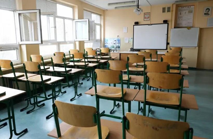 To kiedy powrót dzieci do szkół? Prawdopodobny scenariusz to...
