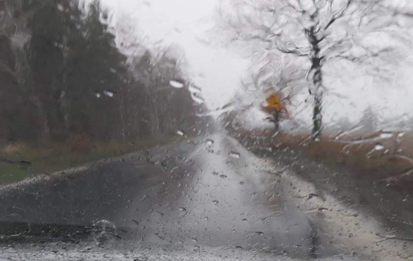 Na środkowym zachodzie Polski już pada intensywny deszcz