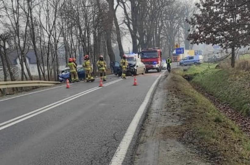 Poważny wypadek w Wielkich Drogach. Utrudnienia w ruchu na krajówce