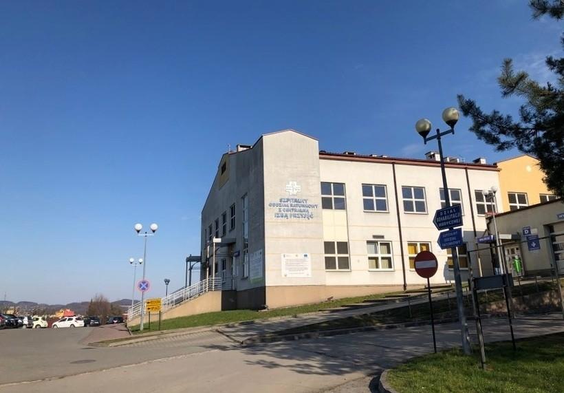 Fatalne dane. Szpital w Wadowicach obciążony trudnymi przypadkami koronawriusa