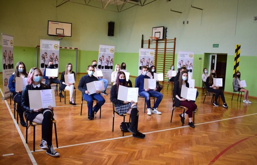 Uczniowie z technikum w Andrychowie docenieni. Będą dostawać stypendium