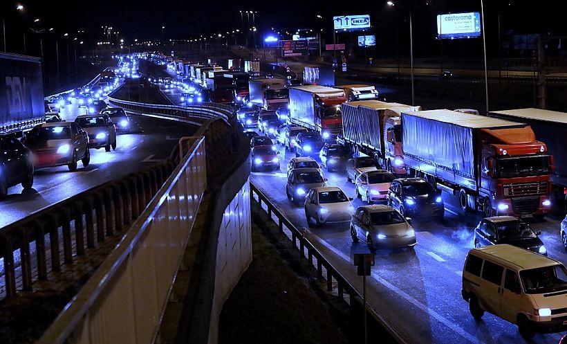 Mieszkańcy Krakowa chcą zakazu sprzedaży nowych samochodów spalinowych