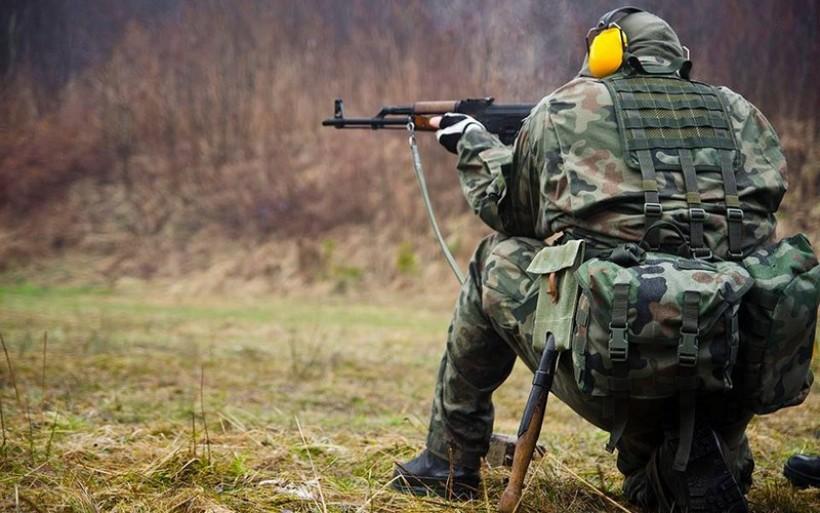 """W miniony weekend przeprowadzono zajęcia strzeleckie w grupie Obrony Terytorialnej """"Halniak"""" Myślenice"""