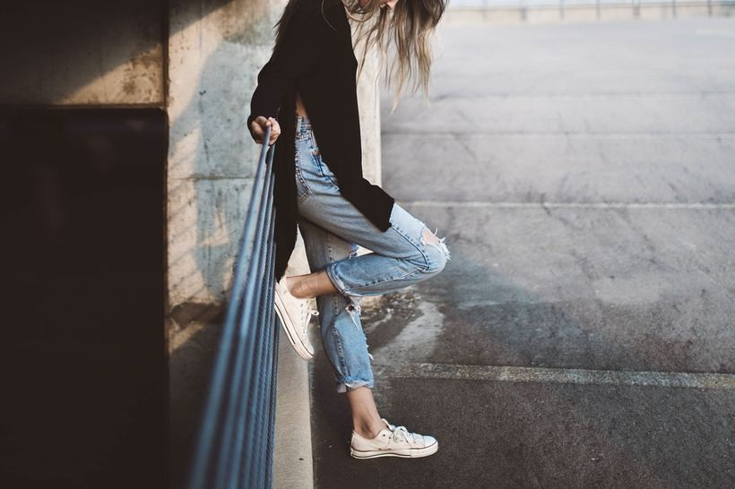 Spodnie jeansowe damskie - dobierz model do swojej figury
