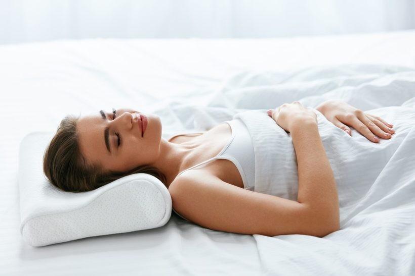 Poduszka profilowana – 5 powodów, dla których warto po nią sięgnąć
