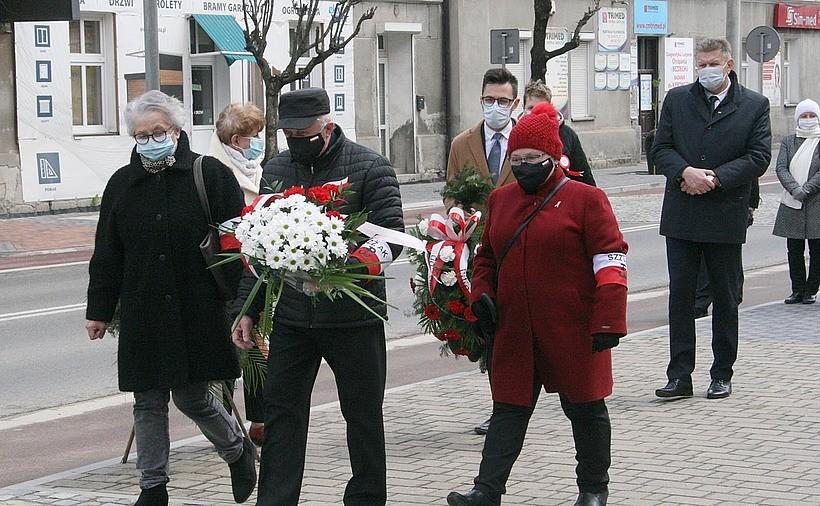 Wadowice i Andrychów świętują 230. rocznicę Konstytucji 3 Maja. Msze w kościołach i kwiaty pod pomnikami