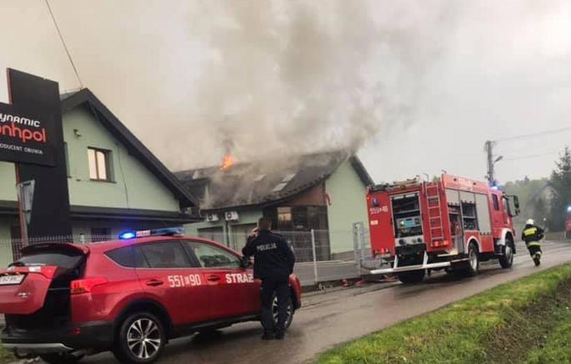 Pożar fabryki w Leńczach. Sprawcą prawdopodobnie piorun!