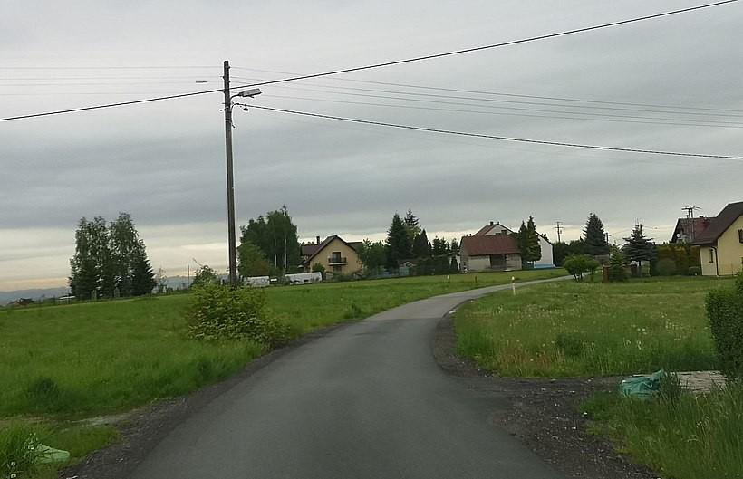 W Kleczy Dolnej Pniaki mogą odetchnąć? Droga do ich domów nie zostanie całkowicie zamknięta
