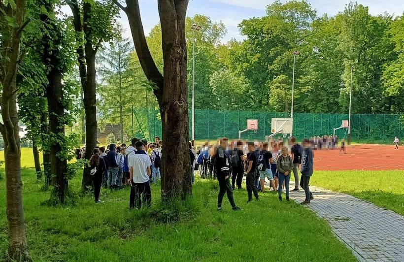 Uczniowie w Radoczy ewakuowani