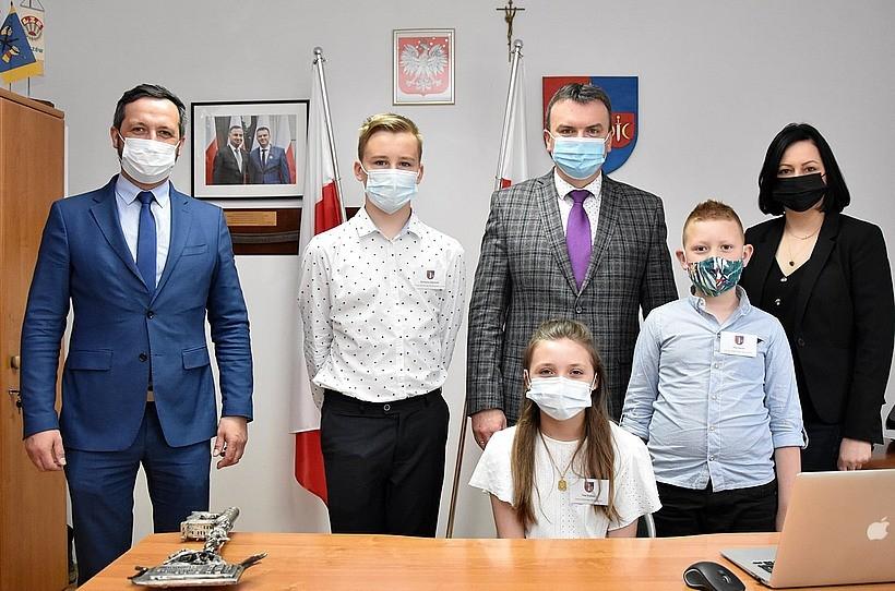 Dzieci rządziły przez jeden dzień w Spytkowicach. Będą mogły więcej w samorządach?
