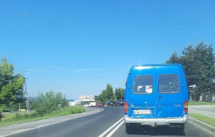 Znowu awaria rogatek w Barwałdzie, szlaban zatrzymał ruch na krajówce. W całej okolicy korki!