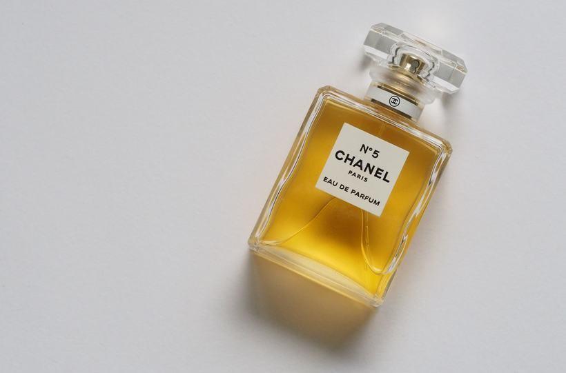Styl według Coco Chanel. Co zawdzięczamy francuskiej projektantce?