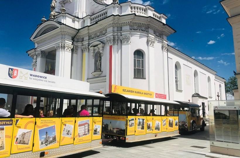 Wycieczka kolejką śladami Ojca Świętego. Atrakcjewadowice.pl zapraszają