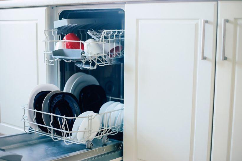 Jaką zmywarkę wybrać do kuchni w stylu retro? Oto najlepsze rozwiązania