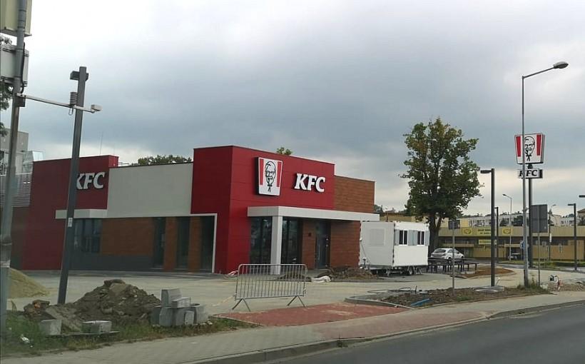 KFC otwiera się w Wadowicach 10 lipca. Dla pierwszych stu klientów niespodzianka