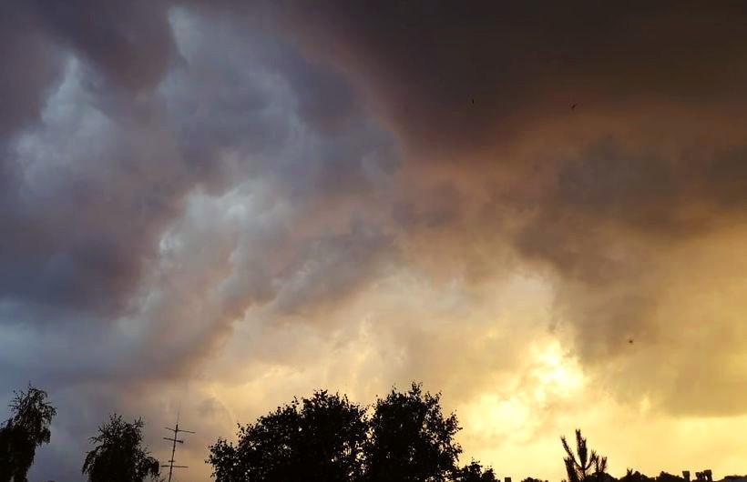 Ciężkie chmury nad Wadowicami