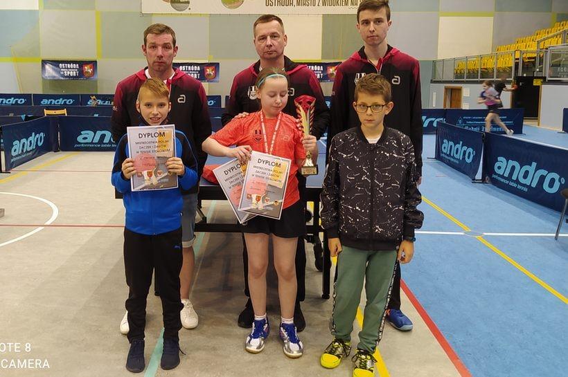 Mimo pandemii i ograniczeń, tenisiści stołowi ze Skawy zdobyli kilkadziesiąt medali. Brawo!