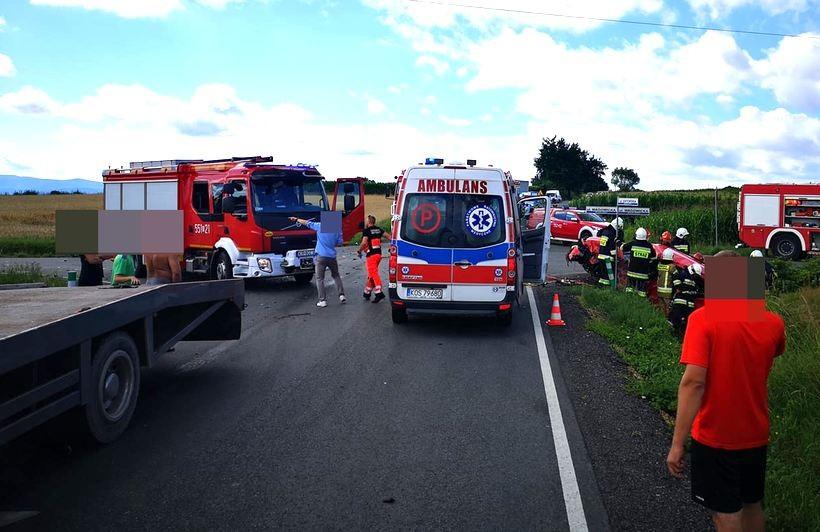 Poważny wypadek w Gierałtowicach. Pięć osób rannych, w tym 9-letni chłopiec