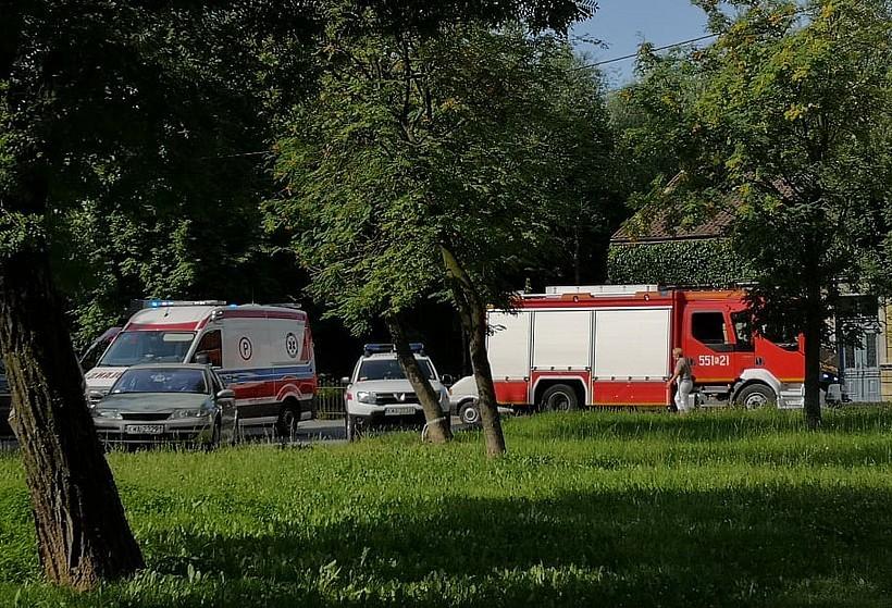 Nie żyje 87-letni mężczyzna. Karetka z Wadowic nie dojechała, ratowali go strażacy