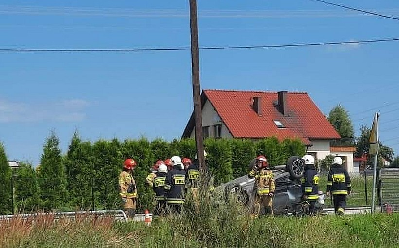 Wypadek na skrzyżowaniu w Gierałtowicach. Cztery osoby ranne odwiezione do szpitala